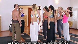 87 裸体瑜伽 视频