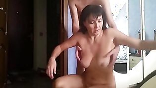 18yo son convinced his drunk mature mother to suck his dick