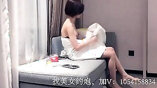 short hair chinese whore with nice ass great sucking skill
