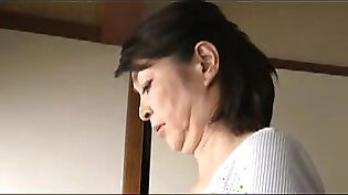 hot japonese mature and stepson 019